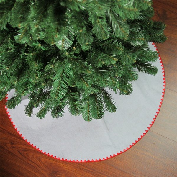 Northlight Shell Stitching Mini Christmas Tree Skirt - 26-in - White and Red