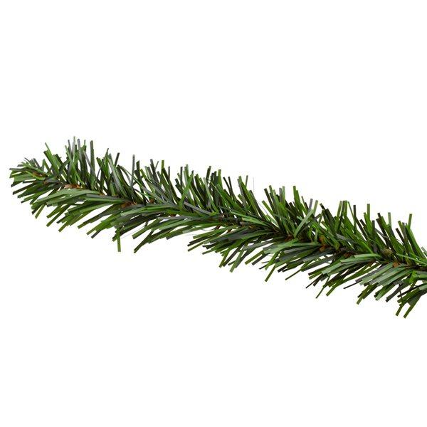 Northlight Canadian Pine Artificial Christmas Teardrop Swag - Unlit - 42-in - Green