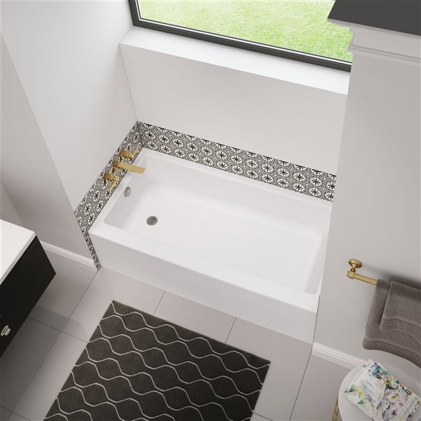 Baignoire alcôve en acrylique Bosca Access par MAAX avec drain à gauche et fond antidérapant, 60 x 30 po, blanc