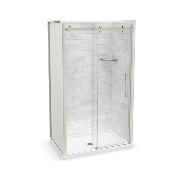 Ens. de douche en alcôve Utile par MAAX avec drain central, 48 po x 32 po, Marbre Carrara/nickel brossé, 5 pièces