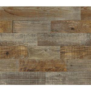 Tuile autocollante pour dosseret effet bois rustique de Brewster, 18 po x 108 po