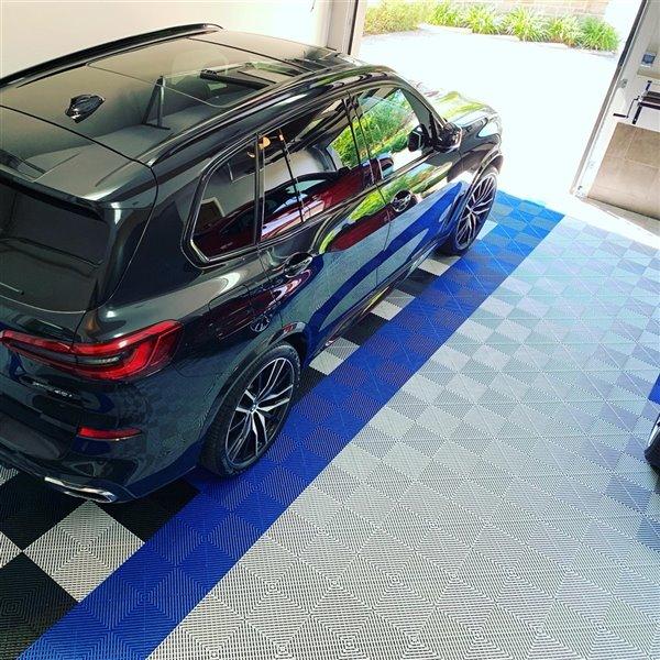 SwissTrax CarTrax Rib Garage Floor Tile - 15.75-in x 15.75-in - Pearl Silver - 6-Piece
