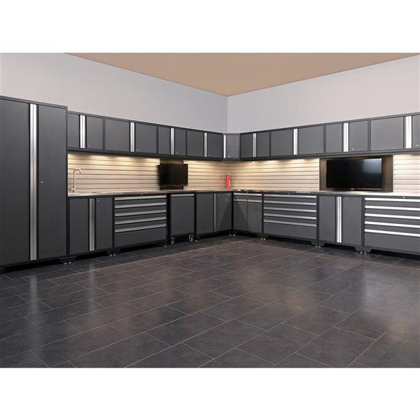 Ensemble d'armoires en acier Série Pro de NewAge, 156 po x 84,75 po, 600 pi², surface en bambou, rouge foncé, 8 mcx