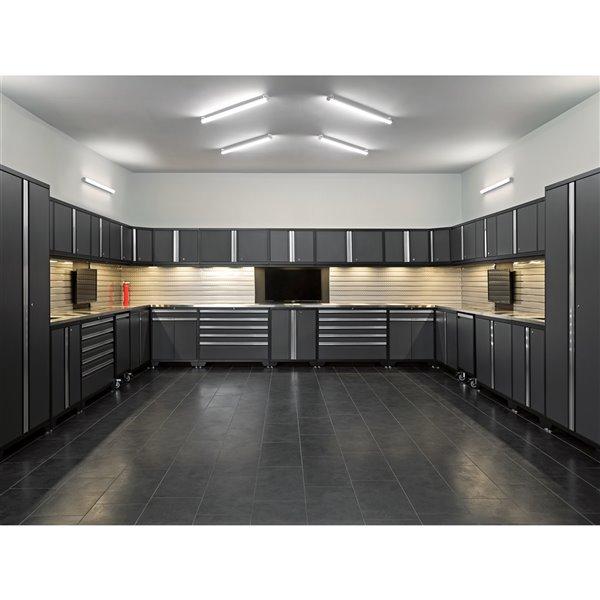 Ensemble d'armoires en acier Série Bold de NewAge, 156 po x 76,75 po, 800 pi², surface en bambou, gris anthracite, 12 mcx