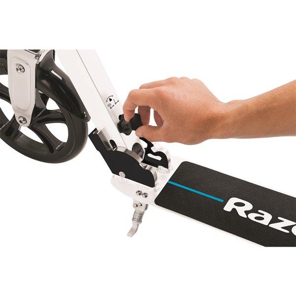 Razor A6 Kick Scooter - White