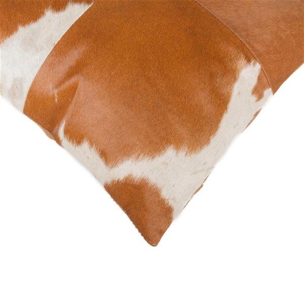 Oreillers carrés en peau de vache Torino Quattro de Natural de Lifestyle, 18 po x 18 po, marron blanc, 2 mcx