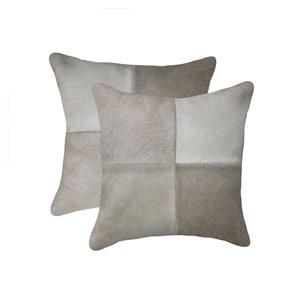 Oreillers carrés en peau de vache Torino Quattro de Natural de Lifestyle, 18 po x 18 po, gris, 2 mcx
