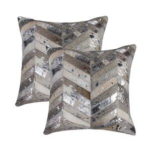 Oreillers carrés en peau de vache Torino Chevron de Natural de Lifestyle, 18 po x 18 po, gris/argent, 2 mcx