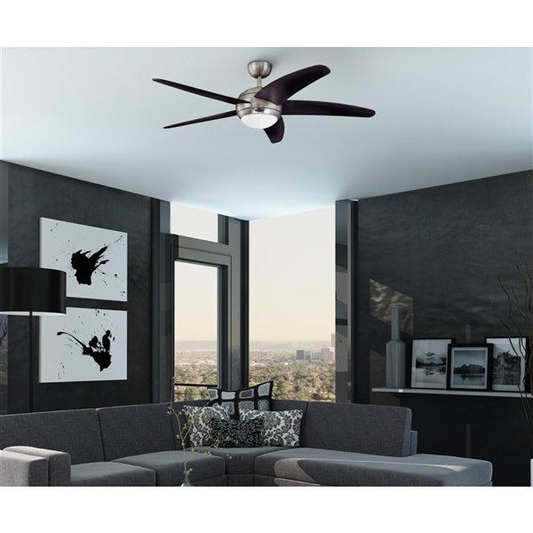 Ventilateur de plafond intérieur Bendan de Westinghouse Lighting Canada avec lumière DEL, 5 pales, chrome satiné