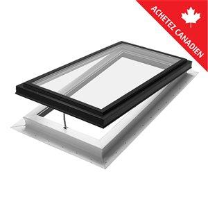 Puits de lumière ouvrant triple vitrage avec solin intégré de Columbia, 22,5po x 46,5po, noir