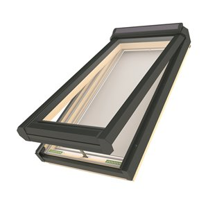Puits de lumière ouverture à l'énergie solaire en verre laminé sur cadre de Fakro, 21po x 38,13po, gris