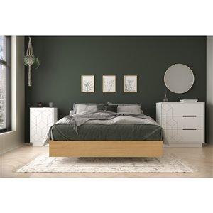 Ensemble de chambre à coucher pour lit à deux places Baracuda de Nexera, érable naturel et blanc, 3 pièces