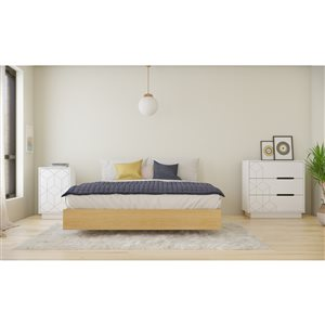 Ensemble de chambre à coucher pour grand lit Baracuda de Nexera, érable naturel et blanc, 3 pièces