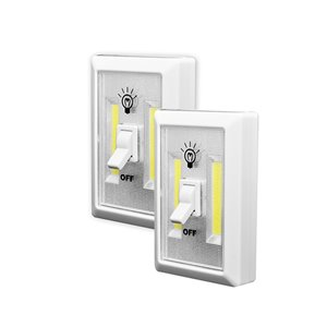 Lampe portative LiteSaver LED200 Lumen de GoGreen Power, pile incluse