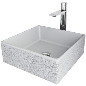 Évier de salle de bain carré en pierre Aster de Vigo, robinet et drain inclus, 14,5 po x 14,5 po, cendre