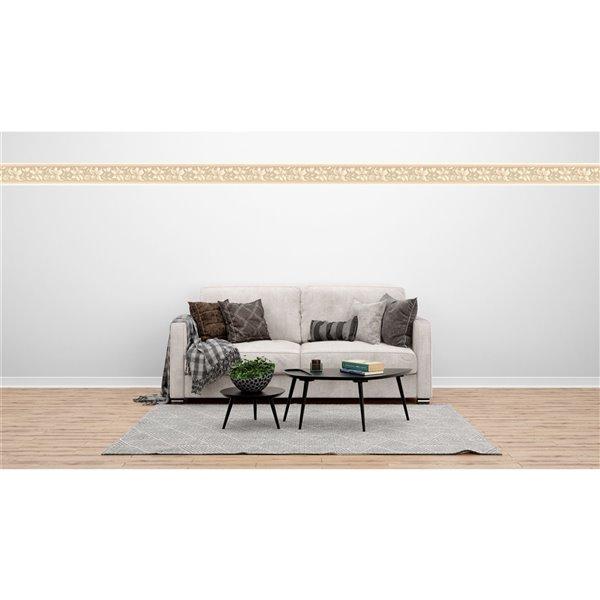 Bordure de papier peint de 6,8 po préencollée par Dundee Deco, beige, marron