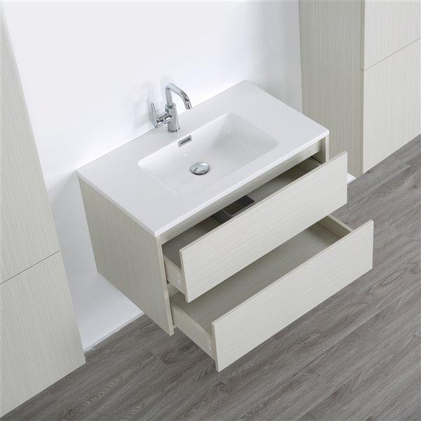 Meuble-lavabo mural simple gris cendré  par Streamline de 32 po avec comptoir blanc lustré et 2 armoires murales