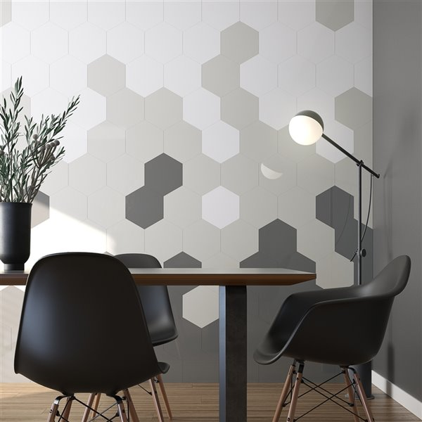 Échantillon de tuile murale autocollante hexagonale Giant en aluminium greige de 4 po de Speed Tiles