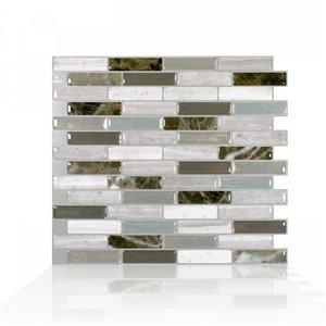 Carrelage mural en vinyle composite lustré Milenza de Smart Tiles, 10 po x 10 po, pierre travertin et beige/brun, boîte de 4