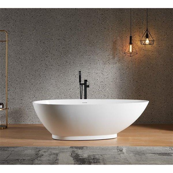 Baignoire autoportante ovale en acrylique blanc 71,5 po L 34-in l Louise de Lukx avec drain centré