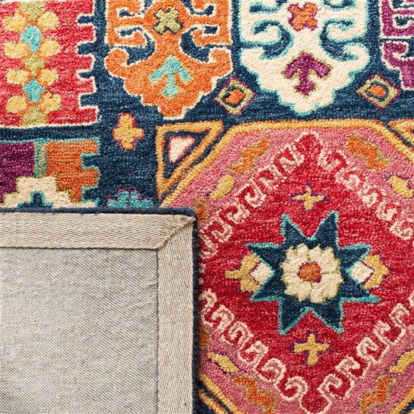 Tapis décoratif d'intérieur rectangulaire bleu/rouge Aspen par Safavieh de style éclectique, 6 pi x 9 pi