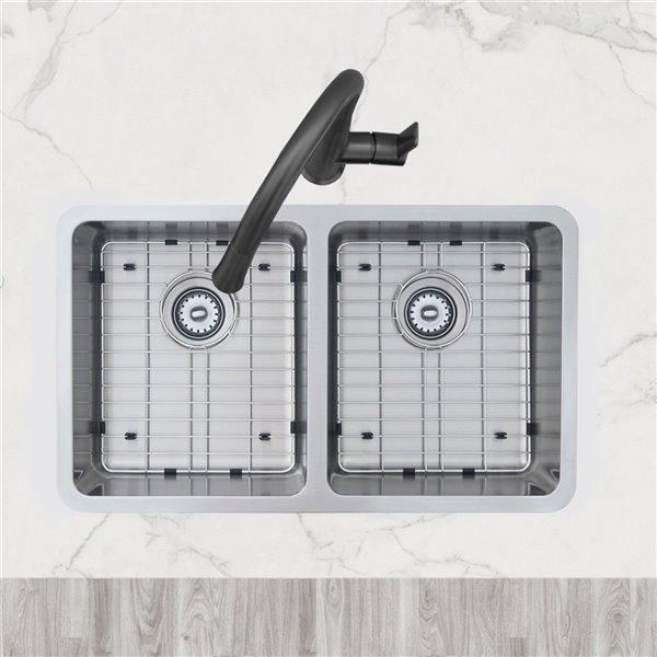 Évier de cuisine double sous plan Builders Avila de Stylish avec grilles, 30 po x 17,75 po