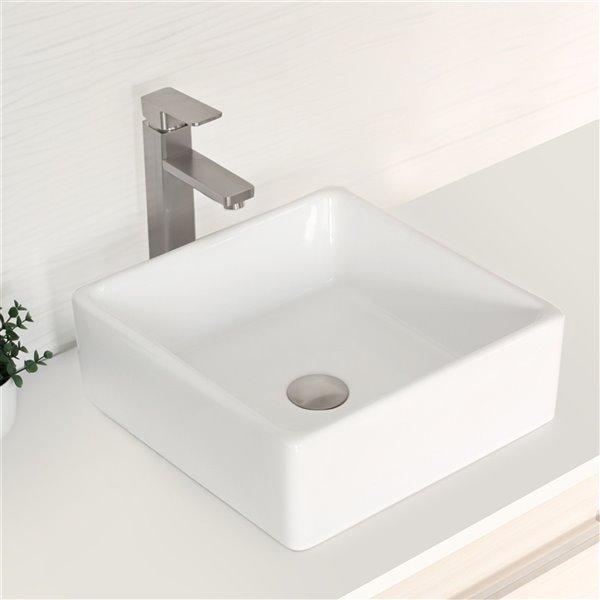 Robinet pour lavabo de salle de bain nickel brossé  à 1 poignée Daysi par Stylish avec plaque de finition