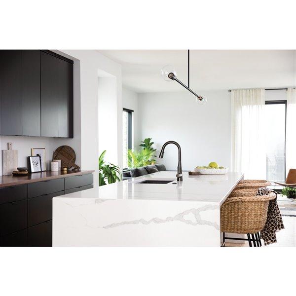 Robinet de cuisine résidentiel Sleek à 1 poignée/levier par Moen (noir/acier inoxydable)