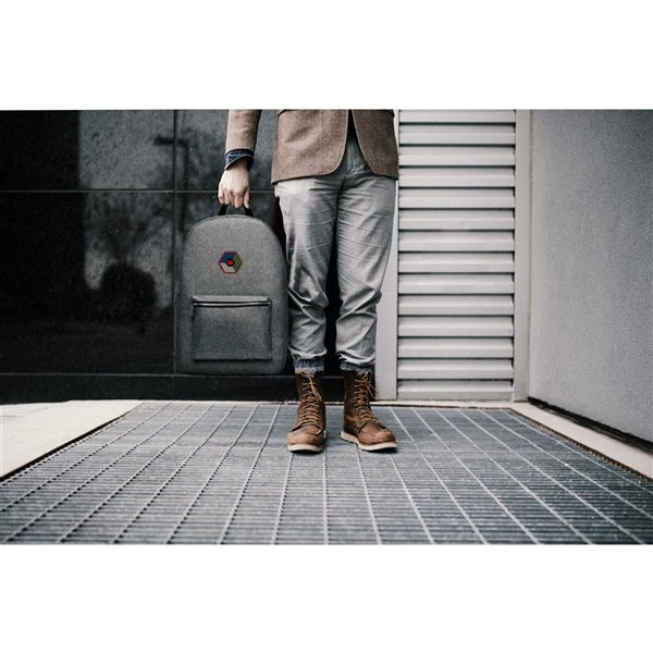 Sac à dos 12 po x 5,5 po x 17 po, gris, par Marin Collection