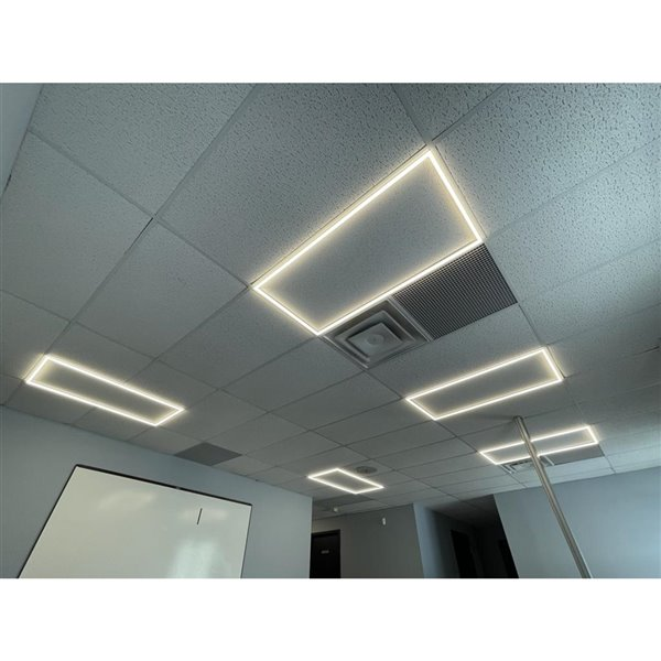 Lampe à panneau plat à DEL intégrée de Power Q, 2 pi x 2 pi