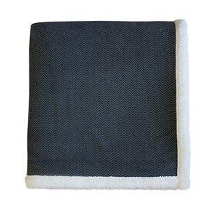 Couverture en polyester 60 po x 70 po, gris, par Marin Collection