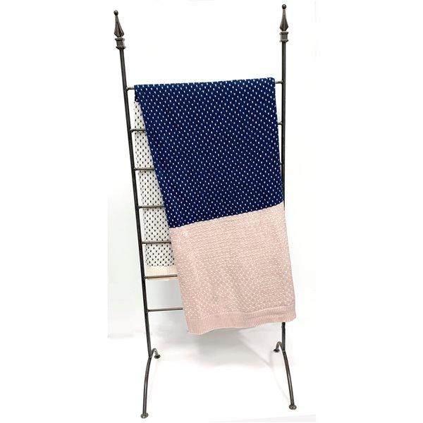 Jeté en acrylique bleu marine, rose et blanc 50 po x 60 po par Myne