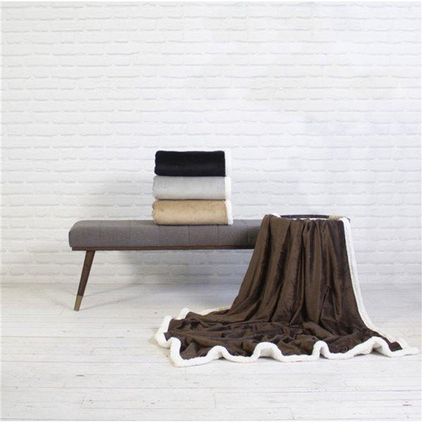 Couverture en polyester brun foncé 50 po x 60 po par Marin Collection
