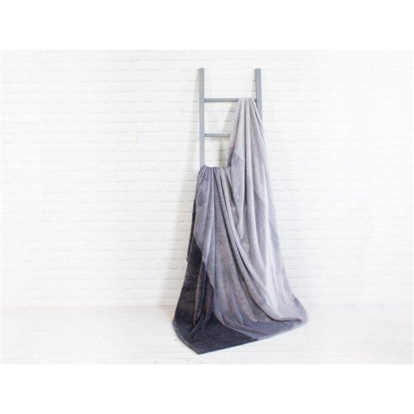 Couverture 60 po x 70 po en polyester gris par Marin Collection