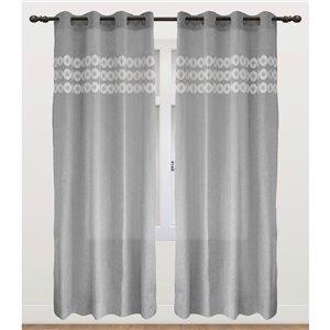 Panneau de rideau simple occultant gris en polyester avec doublure thermique, 95 po, par Myne