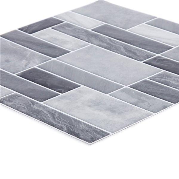 Décalque mural auto-adhésif géométrique gris pâle par Truu Design, 10 po x 10 po
