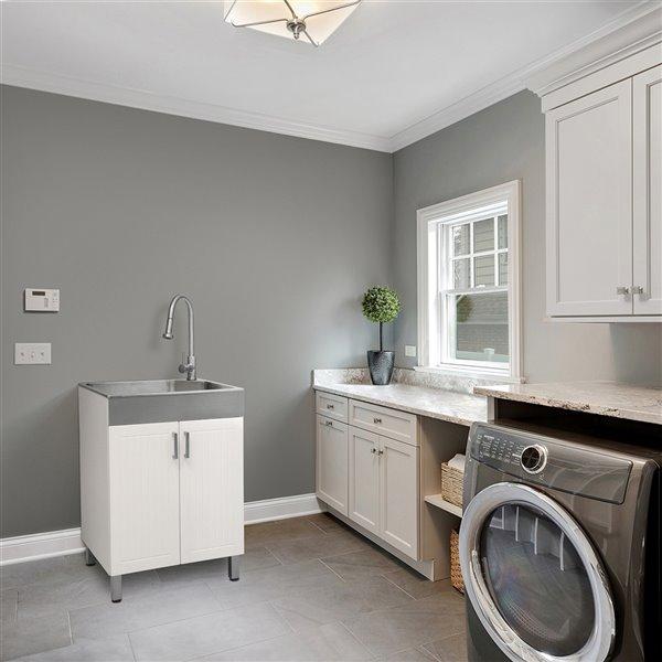 Évier de lavage sur pied blanc de 24,2 po x 21,4 po avec drain et robinet par Presenza