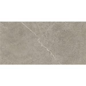 Tuile auto-adhésive en aluminium satiné de Surface Design, 16 po x 32 po, marbre pierre, 6 pièces