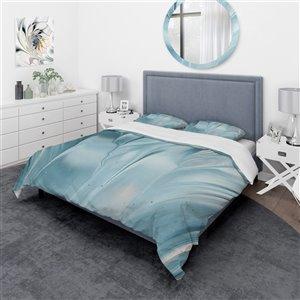 DesignArt 3-Piece Blue Modern Water III King Duvet Cover Set