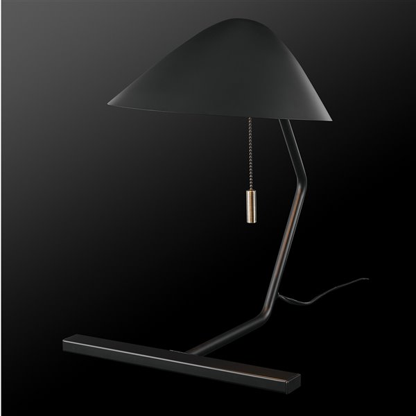 Lampe de bureau standard de Globe Electric Belgrove, 15 po, noire mate, avec abat-jour en métal