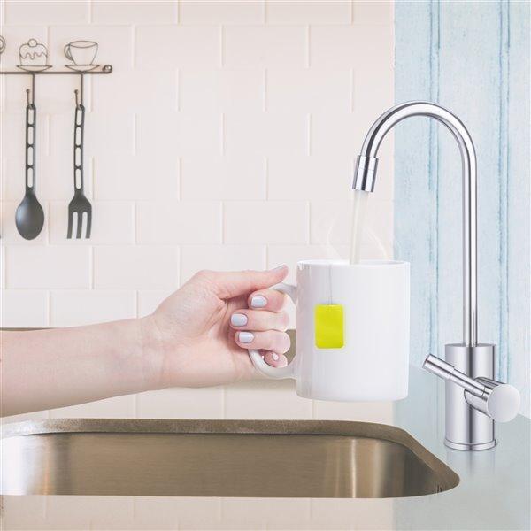 Distributeur d'eau chaude en nickel brossé par Ready Hot