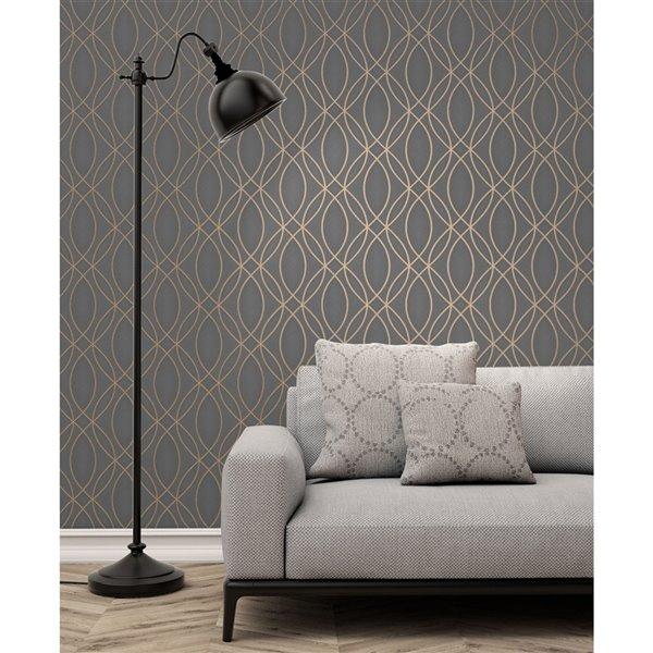 Papier peint sans colle en vinyle à motif géométrique Metallic par Advantage, 56,4 pi², taupe