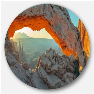 DesignArt 23-in x 23-in Mesa Arch Canyon lands Utah Park Landscape Metal Circle Wall Art