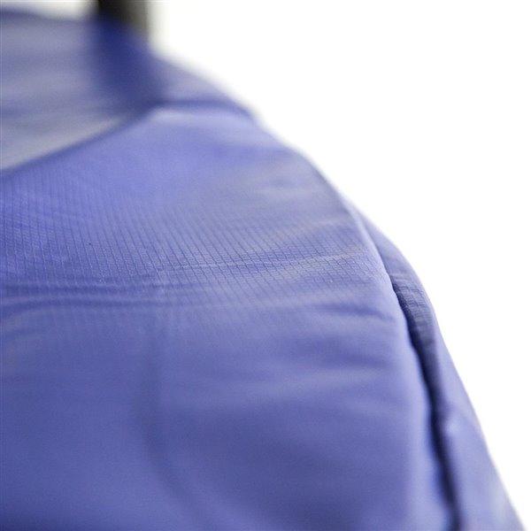 Trampoline bleue et ovale de 15 pi pour arrière-cour par Skywalker Trampolines, enceinte incluse