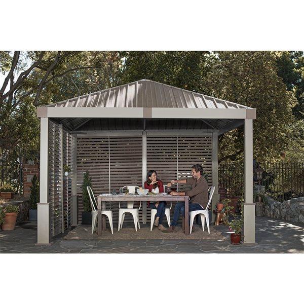 Abri-soleil permanent carré en métal avec toit en acier Nanda par Sojag, 11,91po x 11,91po, champagne/taupe