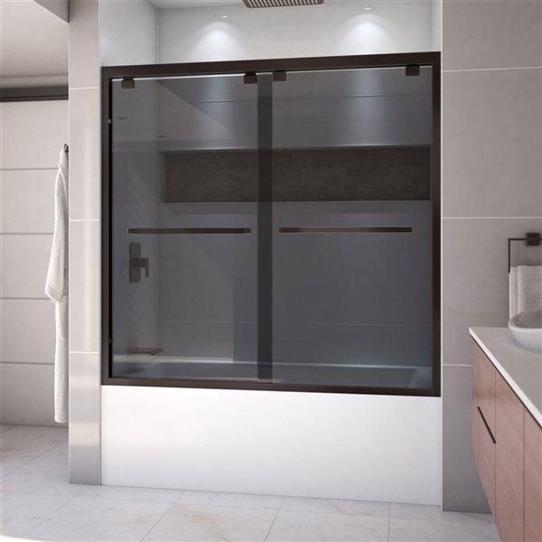 Porte de bain coulissante Encore à demi-cadre bronze huilé de DreamLine, verre gris fumé, 58 po h x 56 à 60 po l.