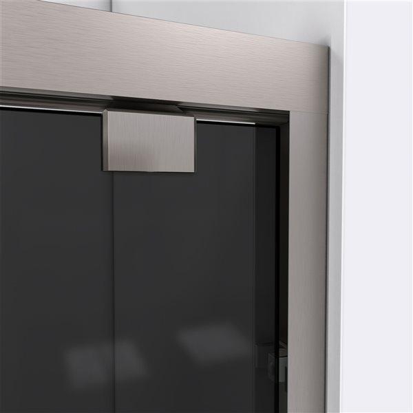 Porte de douche coulissante Encore à demi-cadre nickel brossé de DreamLine, verre gris fumé, 76 po h x 50 à 54 po l.