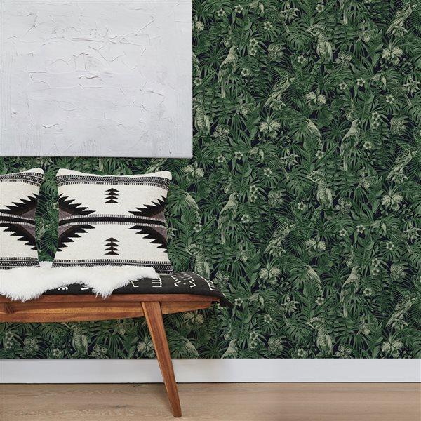 Papier peint en vinyle non encollé avec motif tropical Susila par Advantage couvrant 57,8 pi², vert