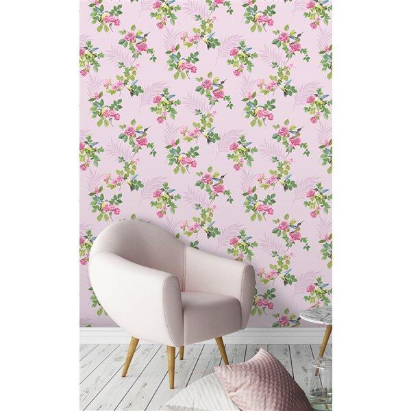 Papier peint non tissé et non encollé au motif botanique Juniper par Fine Decor couvrant 56,4 pi², rose