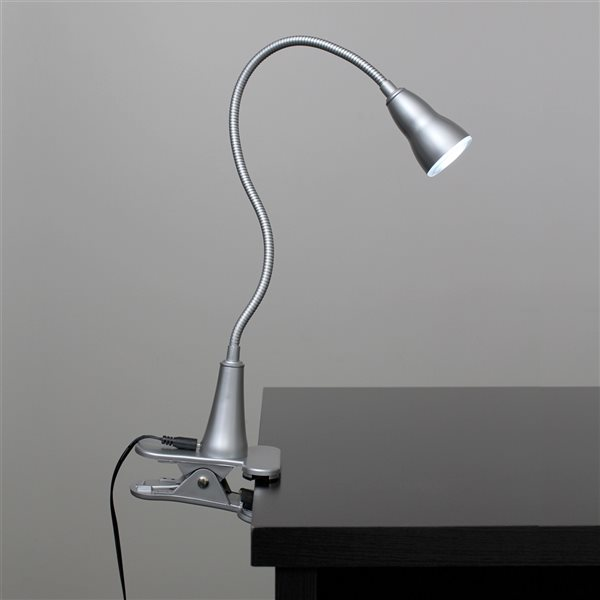 Simple Designs 22.75-in Adjustable Silver On/Off Switch Clip Desk Lamp with Metal Shade